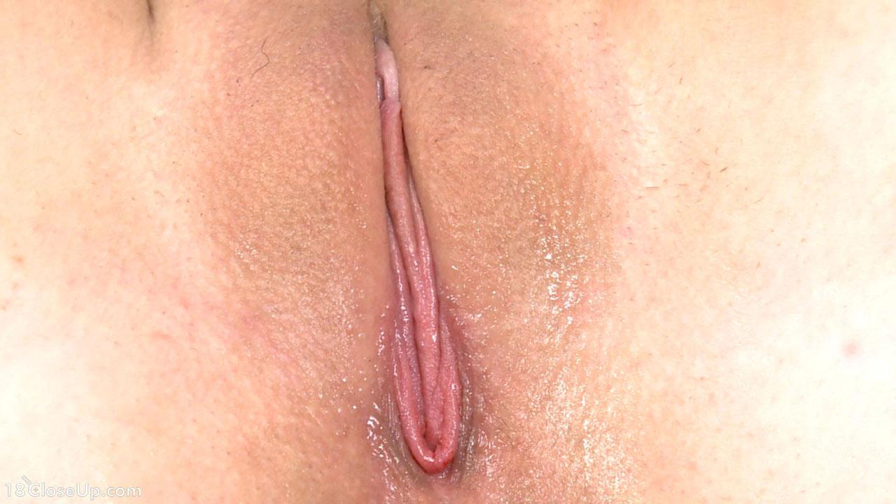 naked hot girl humping pillow